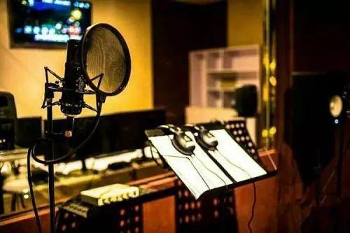彩铃录制专用的配音录音棚基地风采