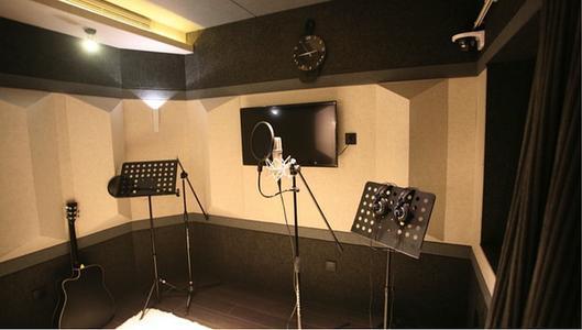 小视频配音制作的录音棚现场基地